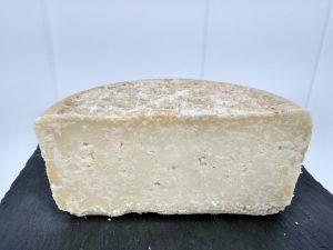 Medio queso curado de cabra Verano 2017
