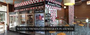 Nuestra tienda-cheesebar en Plasencia